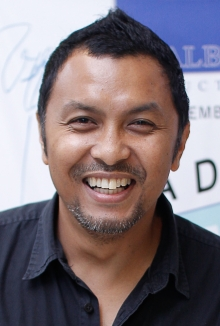 Harlif_AADR_Director (during the public release of the Brunei local film ADA APA DENGAN RINA 23-02-2013.)